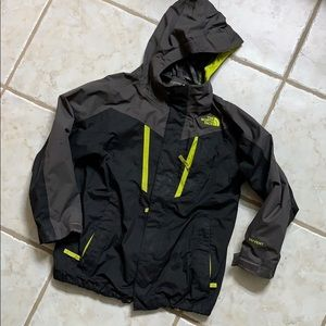 7/8 boy north face jacket